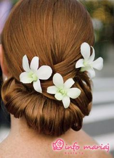 wedding-hair-styles-with-flowers-2