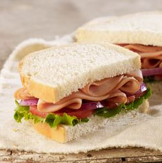 Smoked turkey breast, leaf lettuce, tomatoes, red onions and salt and pepper served on our Country Bread.- Visit PaneraBread.com for more inspiration.