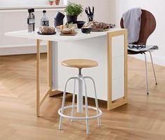 19995 Ft | Ez a Nordic termékcsaládhoz tartozó bárszék tömör kőrisfa ülésfelületével nem csak a bárnál szolgál praktikus ülőalkalmatosságként. Filigrán hatású stabil fémvázát egy olyan fémorsóval látták el, amellyel nagyon könnyen állítható a szék magassága.