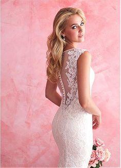 Elegant Tulle & Lace Bateau Neckline Natural Waistline Sheath Wedding Dress With Lace Appliques
