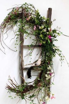 Spring decoration with fresh branches and small decorative birds . - Spring decoration with fresh branches and small decorative birds . Front Door Decor, Wreaths For Front Door, Door Wreaths, Front Doors, Front Porch, Simple Christmas, Christmas Wreaths, Christmas Decorations, Spring Decorations