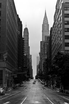 New York in black and white. A series by Michael Peter    (via michaelpeter.net/...)