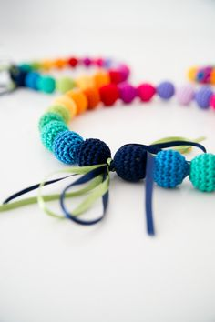 Waouh ! Rainbow necklace  Colorful necklace  Crocheted bead par SuddenlyYou, $35.00