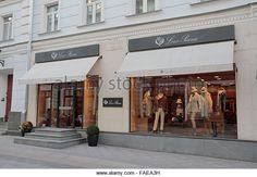 The Loro Piana store on Stoleshnikov Pereulok or Stoleshnikov Lane, Moscow, Russia. - Stock Image