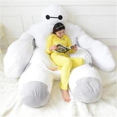 Baymax bed - This adorably over-sized Baymax bed is the ideal napping place for children or fans of Disney's Big Hero 6 movie. The marshmallow-like bed is. Teal Bean Bags, Big Hero 6 Baymax, Childrens Beds, Deco Design, My New Room, Disney Love, Things To Buy, Things I Want, Bean Bag Chair