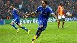 Galatasaray 1-1 Schalke   Jermaine Jones celebra el gol que dio el empate al Schalke al borde del descanso. [20.02.13]