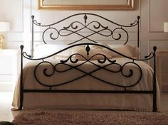 Vintage Style of Wrought Iron Queen Bed Frame Iron Furniture, Home Decor Furniture, Steel Bed Design, Wrought Iron Beds, Iron Table, Metal Beds, Headboards For Beds, French Country Decorating, Bed Frame