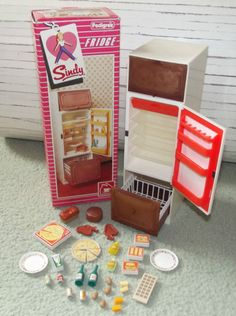 Sindy fridge with food Barbie Kitchen, Toy Kitchen, 1980s Childhood, My Childhood Memories, Sindy Doll, Doll Food, Old Dolls, Barbie House, Retro Toys
