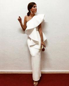 Elegant White Evening Dresses One Shoulder Ruffle Satin Sheath Floor Length Saudi Arabic Prom Dresses Evening Gowns Zipper Up Elegant Dresses, Beautiful Dresses, Nice Dresses, Long Gown Elegant, Evening Dresses, Prom Dresses, Formal Dresses, Bandage Dresses, Wedding Dresses