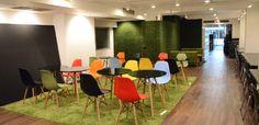 Coworkings no mundo: Allianco Office – Tokyo, Japão Allincco Office (Ofisu Arinko) é um espaço de Coworking recentemente inaugurado, localizado a um minuto da estação de Shibuya. Entre os serviços oferecidos, está incluso Wi-Fi, copiadora e cafeteria. O local dispõe de aproximadamente 40 assentos e tem um design totalmente agradável.