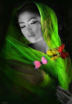 Serenity One Wise Life - Fotos Color Splash, Color Pop, Splash Art, Georg Christoph Lichtenberg, Fotografia Macro, Lingerie Fine, Beauty And Fashion, Green Fashion, Exotic Beauties