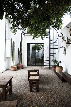 New Exterior Patios Courtyards Ideas Outdoor Spaces, Outdoor Living, Outdoor Decor, Outdoor Lounge, Indoor Outdoor, Rustic Outdoor, Outdoor Pool, Outdoor Wall Decorations, Outdoor Ideas