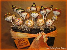 Thanksgiving Inspired Pilgrim and Indian Cake Pops Thanksgiving Cake Pops, Thanksgiving Art, Pilgrims And Indians, Indian Cake, Family Crafts, Food Festival, Animal Party, Cupcake Cakes, Cupcakes