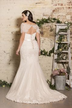True Bride launches True Curves bridal collection Available in stores from spring True Bride has unveiled its beautiful bridal collection for the fuller figure Wedding Dress Outlet, Making A Wedding Dress, Luxury Wedding Dress, Wedding Dress Styles, Dream Wedding Dresses, Designer Wedding Dresses, Bridal Dresses, Fall Dresses, Lace Wedding