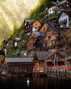 Autriche Europe Snug up against the mountain - Hallstatt, Austria Places Around The World, Oh The Places You'll Go, Travel Around The World, Places To Travel, Places To Visit, Around The Worlds, Wonderful Places, Beautiful Places, Beautiful Pictures