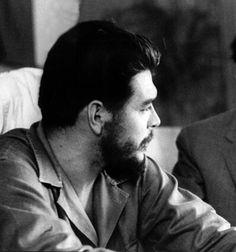 Comandante Ernesto Che Guevara - the Argentine-Cuban guerrilla fighter, revolutionary leader,. Che Guevara Photos, Ernesto Che Guevara, Long Beards, Princess Kate, Guerrilla, Revolutionaries, Cuba, Books, Poster