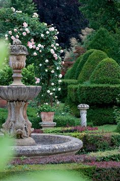6 Smooth Simple Ideas: Backyard Garden Flowers Seeds backyard garden on a budget curb appeal.Backyard Garden Landscape Patio backyard garden vegetable to get.Modern Backyard Garden Back Yard. Formal Gardens, Outdoor Gardens, Formal Garden Design, Jardin Decor, Italian Garden, Garden Fountains, Fountain Garden, Fountain Ideas, Topiary Garden
