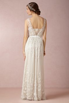 Boho Chic Romantic Vintage Ivory White $$$ - $1501 to $3000 BHLDN Barn Country Floor Flowers Garden Historic Site Lace Museum Silk Spring Summer V-neck Vineyard Wedding Dresses Photos & Pictures - WeddingWire.com