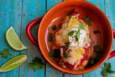 Add a zesty twist to an average chicken recipe with Skinny Salsa Chicken. This healthy chicken dinner combines salsa, cheese and taco seasoning to create a bold burst of flavor in every bite. Chicken Recipes Under 300 Calories, Meals Under 400 Calories, Low Calorie Recipes, Healthy Recipes, Healthy Dinners, Healthy Options, Low Calories, Healthy Foods, Free Recipes