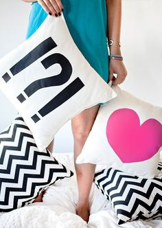 DIY: heart & punctuation pillow