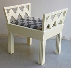Vienna Secession bench in white lacquered wood by Josef Hoffmann from 1910. And it has zigs & zags!