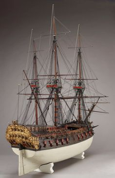 Getuigd model van het VOC-schip Den Ary, 1725 Model Sailing Ships, Old Sailing Ships, Model Ship Building, Boat Building, Mercedes Stern, Scale Model Ships, Ship Of The Line, Wooden Ship, Armada