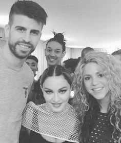 LAS CADERAS TABASCO: Foto: Shakira y Gerard con Madonna en backstage de...