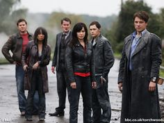 Charlie art: The members of Torchwood all die young, acording to all the writers and actors so here you go. My like thing of the end of fragments but I . In Torchwood they die young. Torchwood, Welsh, Eve Myles, Russell T Davies, Doctor Who Episodes, Beaux Couples, Captain Jack Harkness, New Doctor Who, John Barrowman