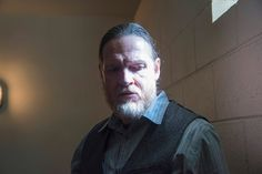 Sons of Anarchy - Season 6 | Episode 1. Donal Logue and his actress sister were a great surprise to the plot.