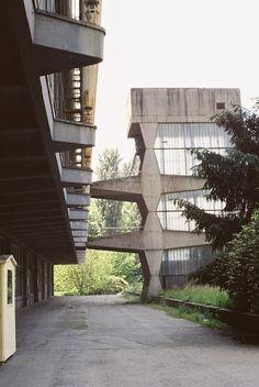 Amunt log — architectureofdoom: palazzo del lavoro, Turin,...
