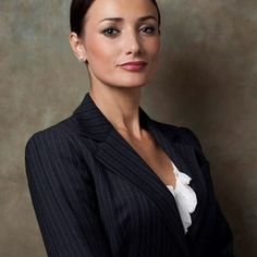 thumbs business studio photography female portrait washington dc reston va 2 Washington DC, MD, Northern VA Corporate and Business Headshots