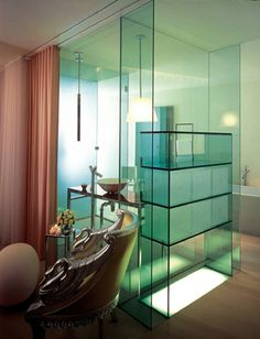 Sanderson Hotel, London designed by Philippe Starck :: 2000