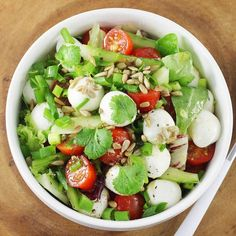 Caprese Salad Recipe, Salad Recipes, Vegan Recipes, Instant Pot Dinner Recipes, Easy Food To Make, Light Recipes, Food Inspiration, Good Food, Food And Drink