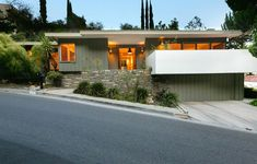 Classic 1961 MCM house in Beachwood Canyon Los Angeles