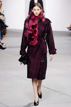 Guarda la sfilata di moda Michael Kors Collection a New York e scopri la collezione di abiti e accessori per la stagione Collezioni Autunno Inverno 2017-18.