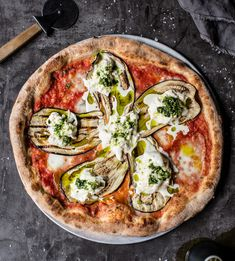 Kneading Ruby's Vegetarian Pizza with Eggplant & Stracciatella is the perfect traditional Italian meal, as featured in The Illawarra Cookbook. Big Pizza, Good Pizza, Pizza Pizza, Savory Snacks, Healthy Appetizers, Pizza Life, Vegetable Tart, Best Homemade Pizza, Gastronomia