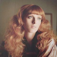 Soft curls  Karen Elson - vogue July '12