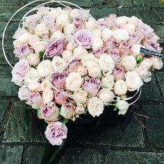 A closed heart funeral flower arrangement made using roses. Diy Sympathy Flower Arrangements, Funeral Arrangements, Sympathy Flowers, Unique Flowers, Diy Flowers, Flower Decorations, Create Picture, Heart Diy, Funeral Flowers