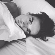 Find images and videos about famous, joe and joe sugg on We Heart It - the app to get lost in what you love. Sugg Life, British Youtubers, Joe Sugg, Most Beautiful Images, Dear Future Husband, Zoella, Embedded Image Permalink, Cute Guys, Celebs