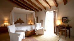 habitacion junior suite cama con dosel -canopy bed - hotel encanto