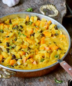 Vegetable curry recipe with coconut milk, pineapple, and chickpeas (or bean Vegetable Curry Coconut Milk, Slow Cooker Vegetable Curry, Easy Vegetable Curry, Vegetable Recipes, Coconut Curry, Curry Recipes, Vegetarian Recipes, Vegan Chickpea Curry, Whole Food Recipes