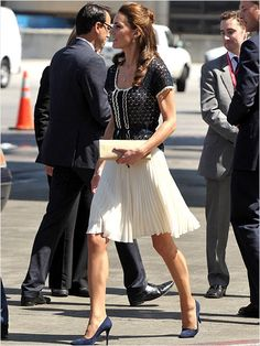 Accordion Skirt: Kate Middleton looked flawless in the navy and white ensemble t… Summer Trends Kate Middleton Coat, Whistles Skirts, Accordion Skirt, Kate And Pippa, Cream Skirt, Princesa Kate, Love Her Style, Office Outfits, Work Outfits
