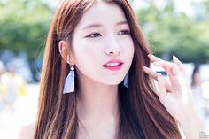 [PHOTO] 170803 컬투쇼 - 여자친구 소원 by Girls Grapher Gfriend Sowon, G Friend, Korean Girl, Idol, Hair Beauty, Drop Earrings, My Favorite Things, Image, Queens