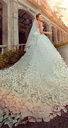 WOW! (I wouldn't wear this but, WOW!)