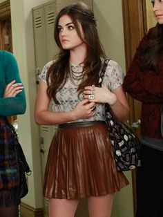 Best Pretty Little Liars Fashion - Pretty Little Liars Style - Seventeen