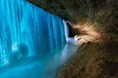 Frozen Falls, Minnehaha Falls, Minniapolis, MN, USA Photo from Amazing Things in the World