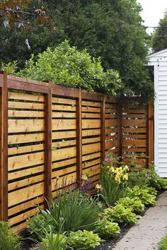 If we ever have to re-build our fence, this style is awesome.: