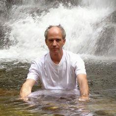 http://youtu.be/XisRa5zj9wU QUERES CONHECER UMA NOVA PROFISSÃO: Nome: José Carlos Santos Email: carlosvirginia2@gmail.com skipe: jose.santos1081 http://carlosvirginia.com/f1lppt1&ad=Pint260115