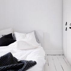 monochrome bedsheets