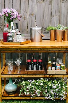 Build Your own Outdoor Bar Cart | IHOD | could also be used for a small potting table.